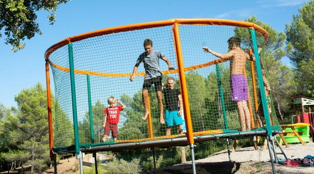 trampoline camping la cigaliere